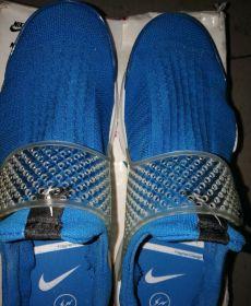 nike 蓝色网面鞋